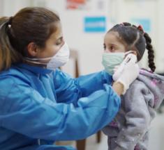 Los niños, niñas y adolescentes están profundamente afectados por la pandemia de COVID-19, afirma la OPS